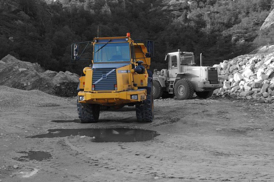 Sháníte nákladní vozidlo nebo techniku?